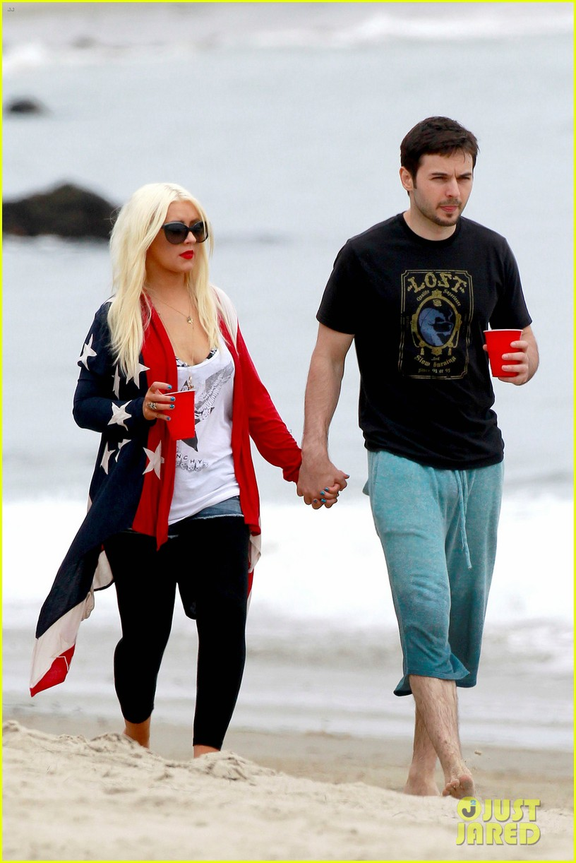 christina aguilera matthew rutler 4th of july with max 01