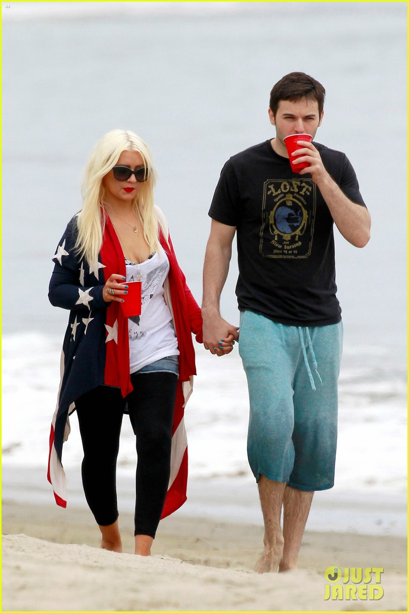 christina aguilera matthew rutler 4th of july with max 03