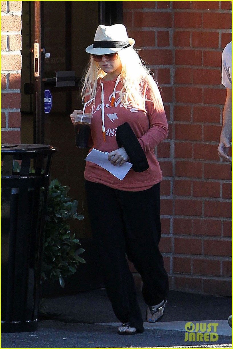 christina aguilera medical center with matthew rutler 05