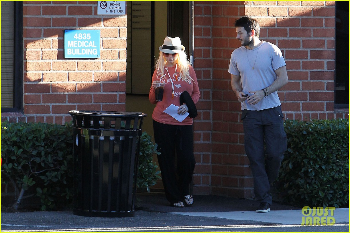 christina aguilera medical center with matthew rutler 082691820