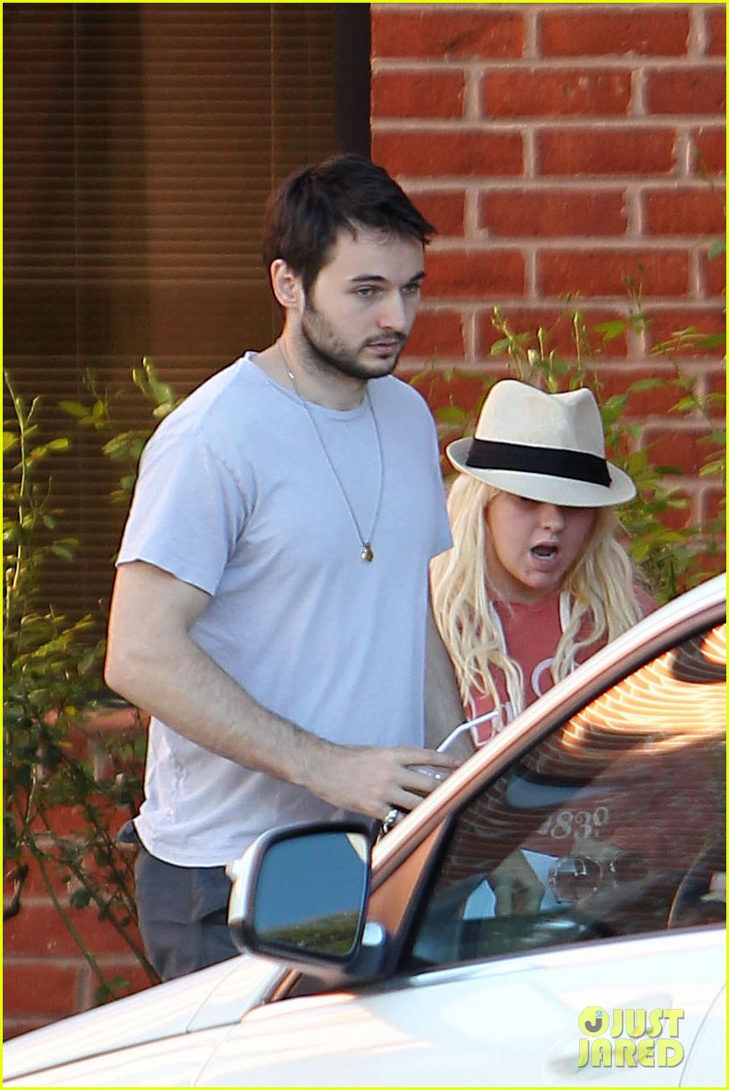 christina aguilera medical center with matthew rutler 09