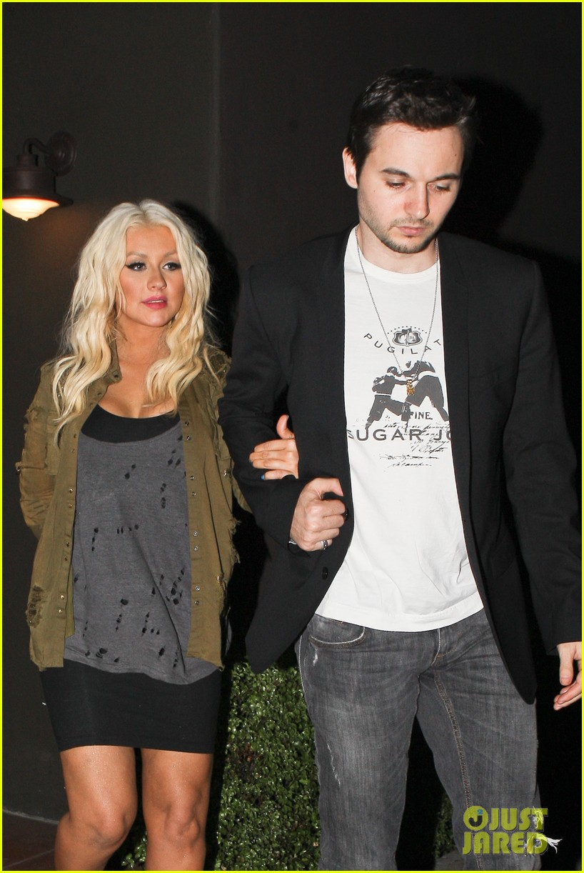 christina aguilera osteria mozza with matthew rutler 06