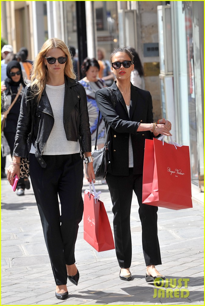 jessica alba paris shopping 03