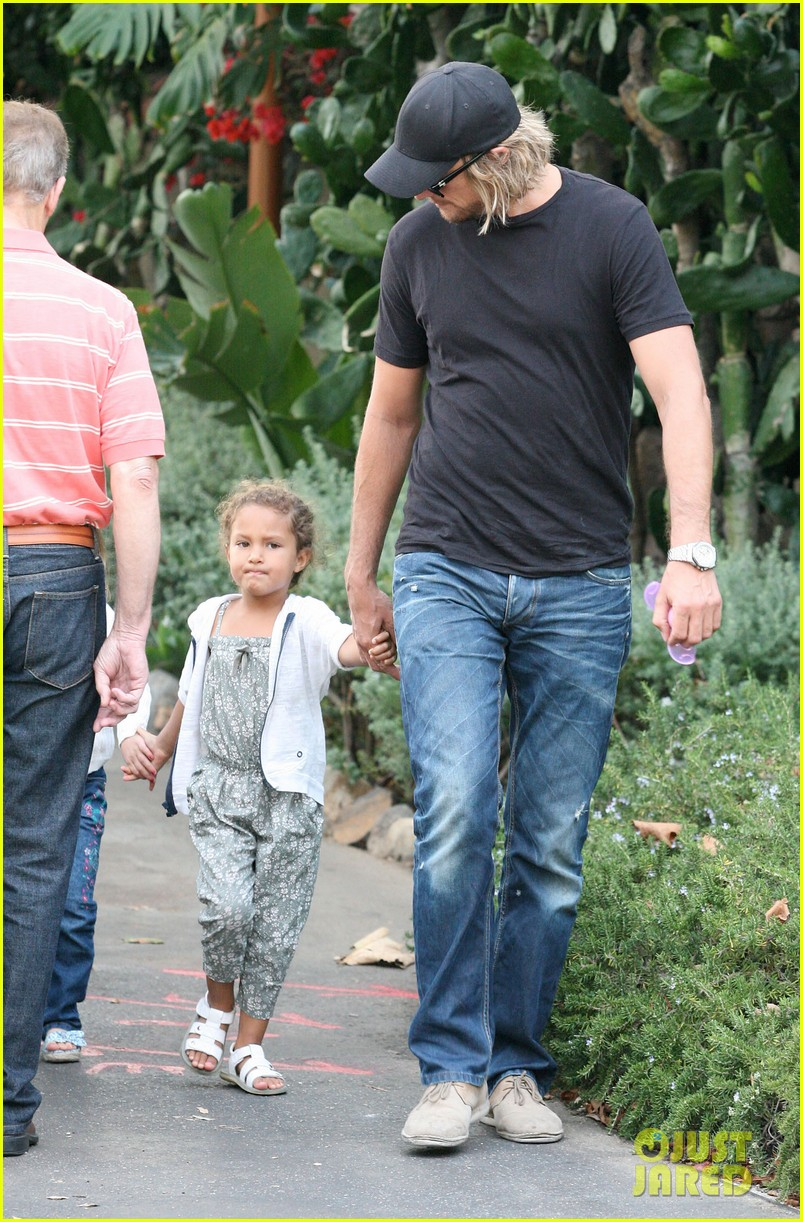 gabriel aubry lunch with nahla 05