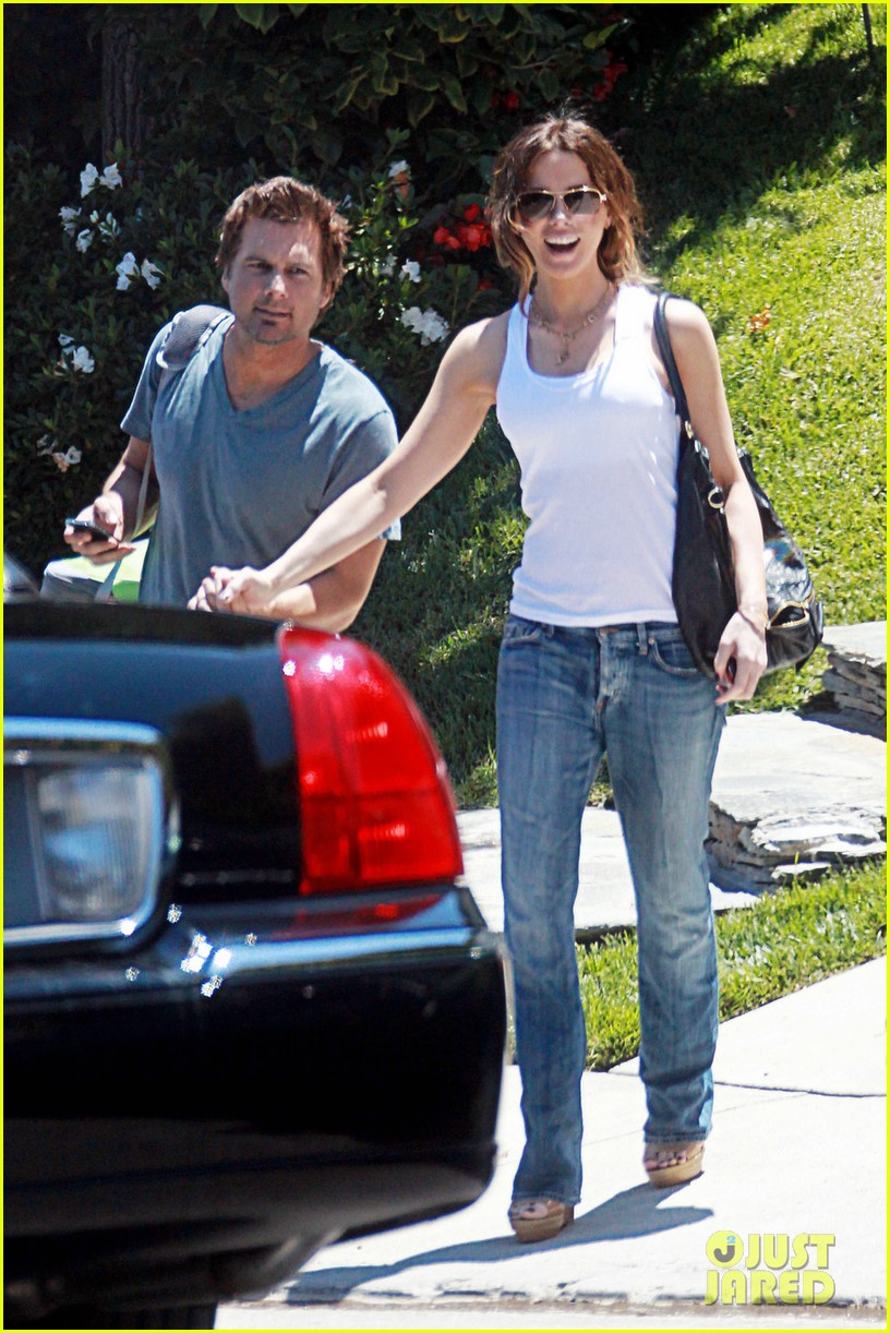 kate beckinsale little door birthday celebration 05