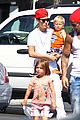 justin bieber kings fish house with dad and siblings 11