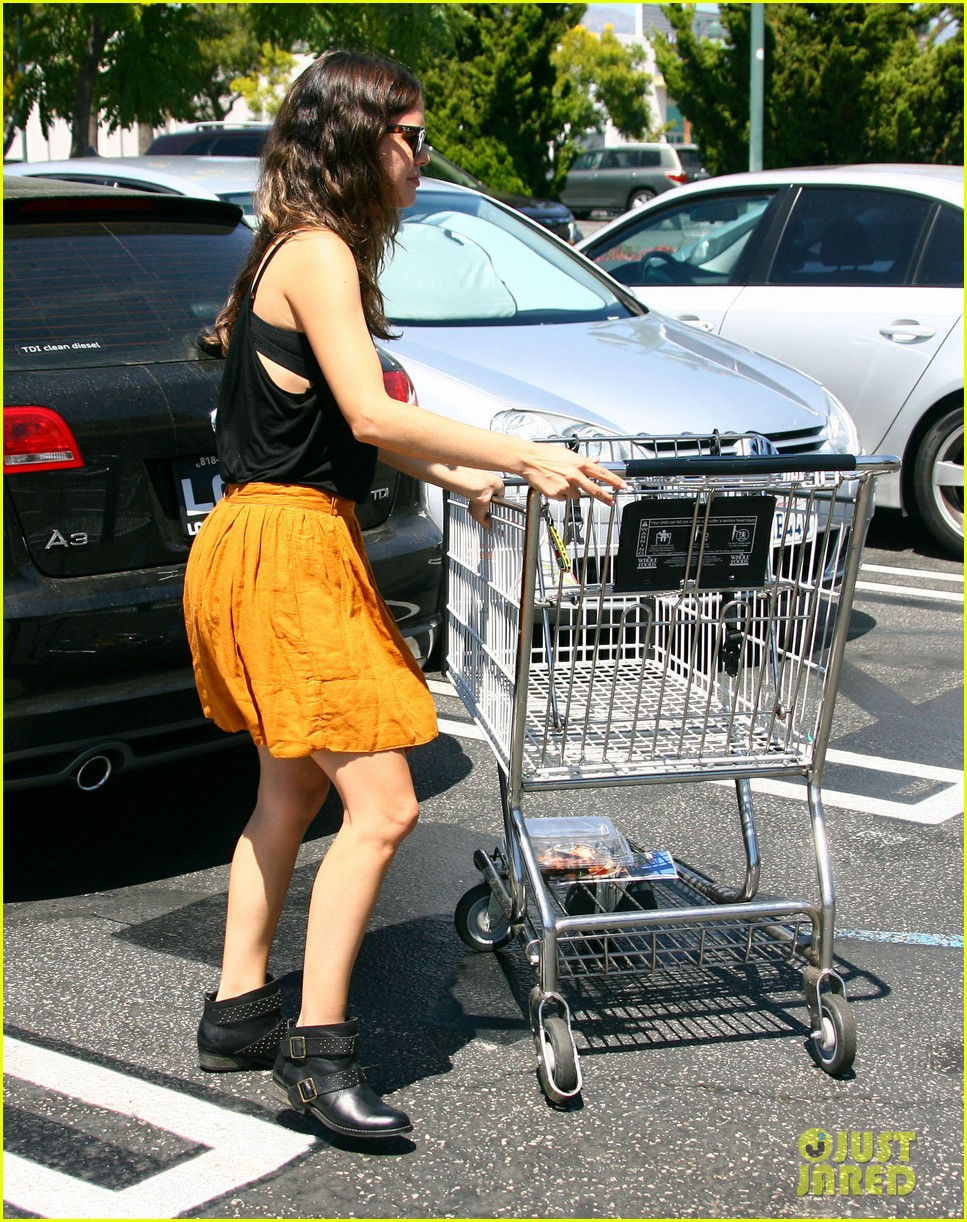 rachel bilson whole foods grocery shopping 10