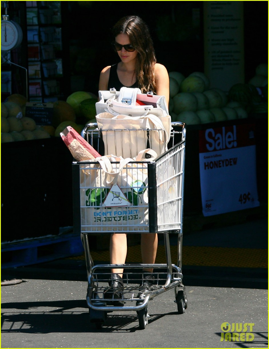 rachel bilson whole foods grocery shopping 132689568