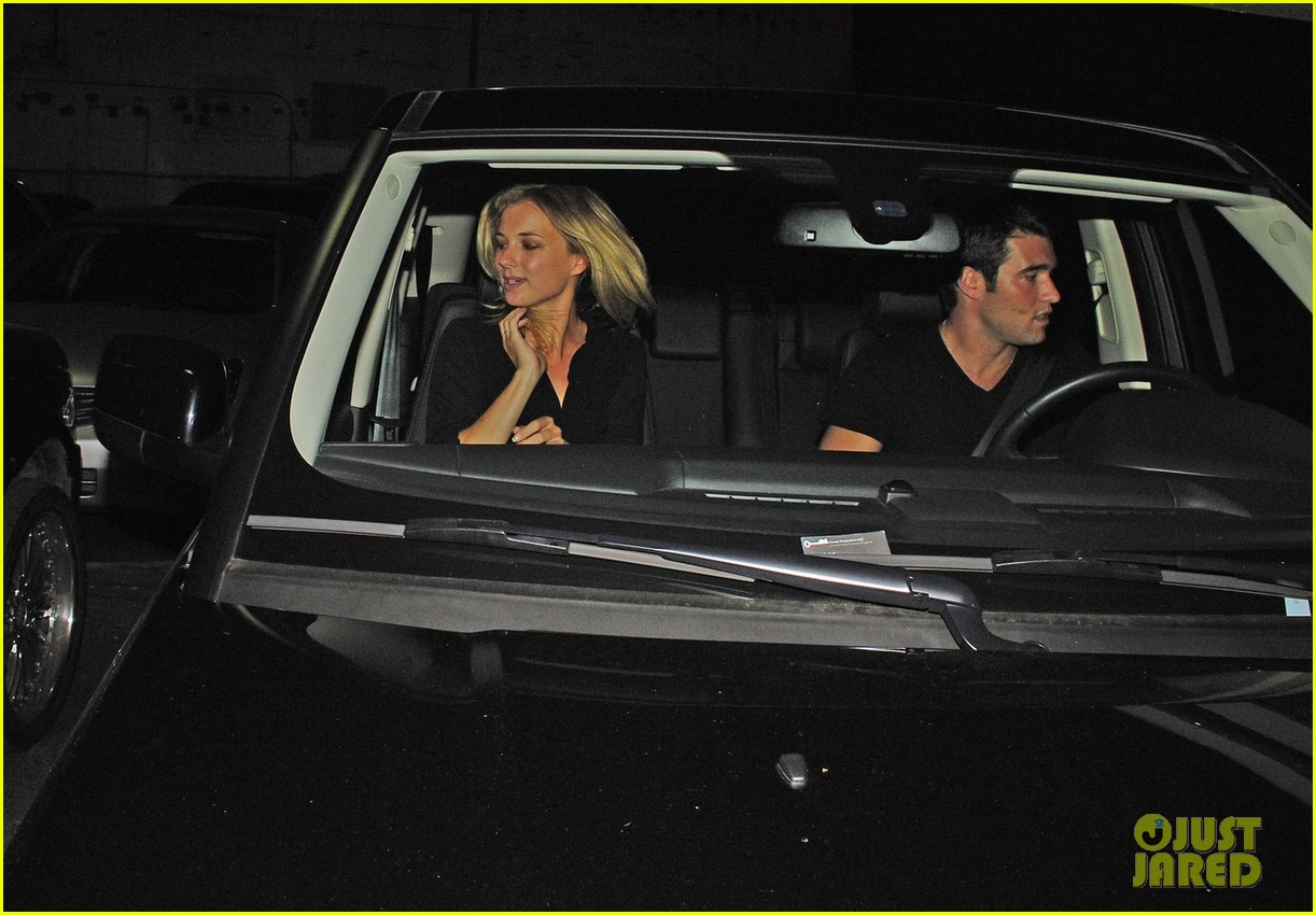 emily vancamp josh bowman night out 03