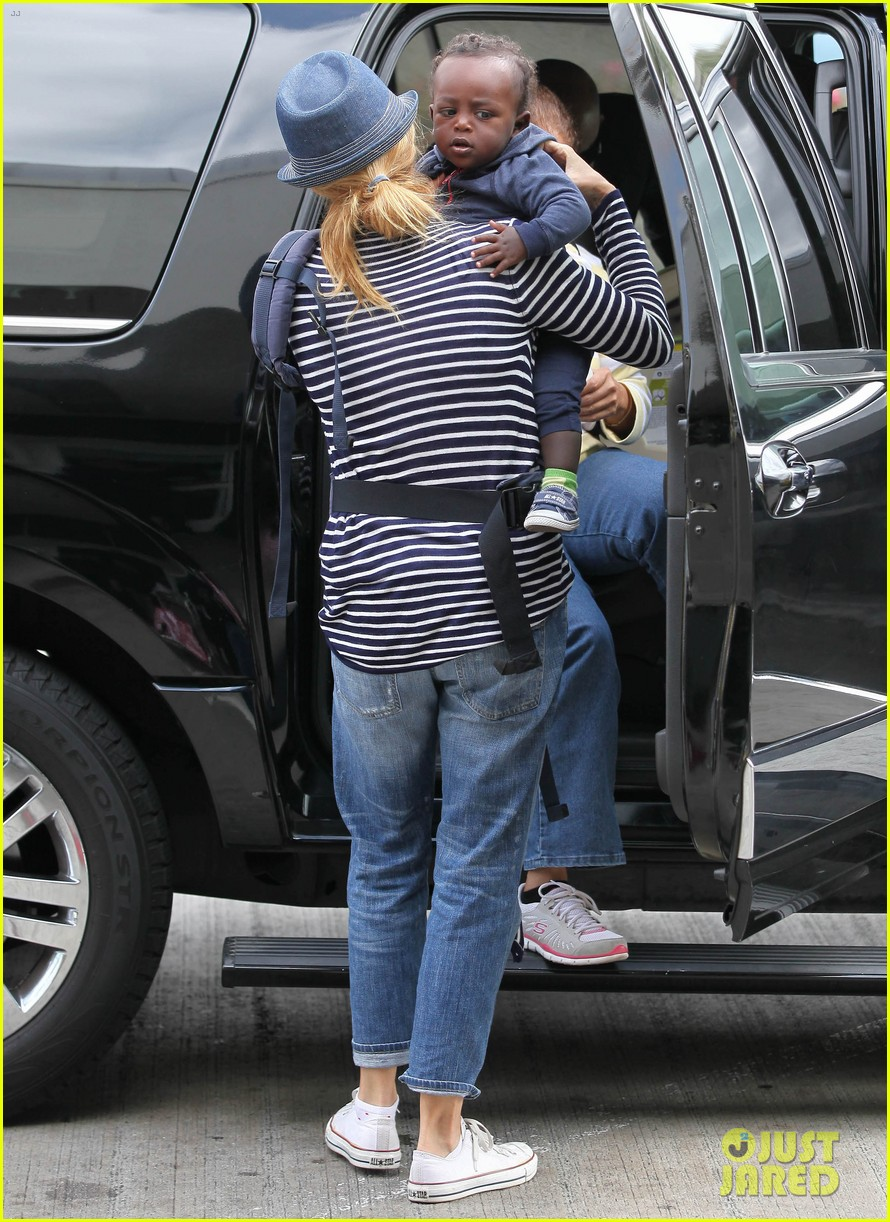 connie britton leaves los angeles with eyob 05