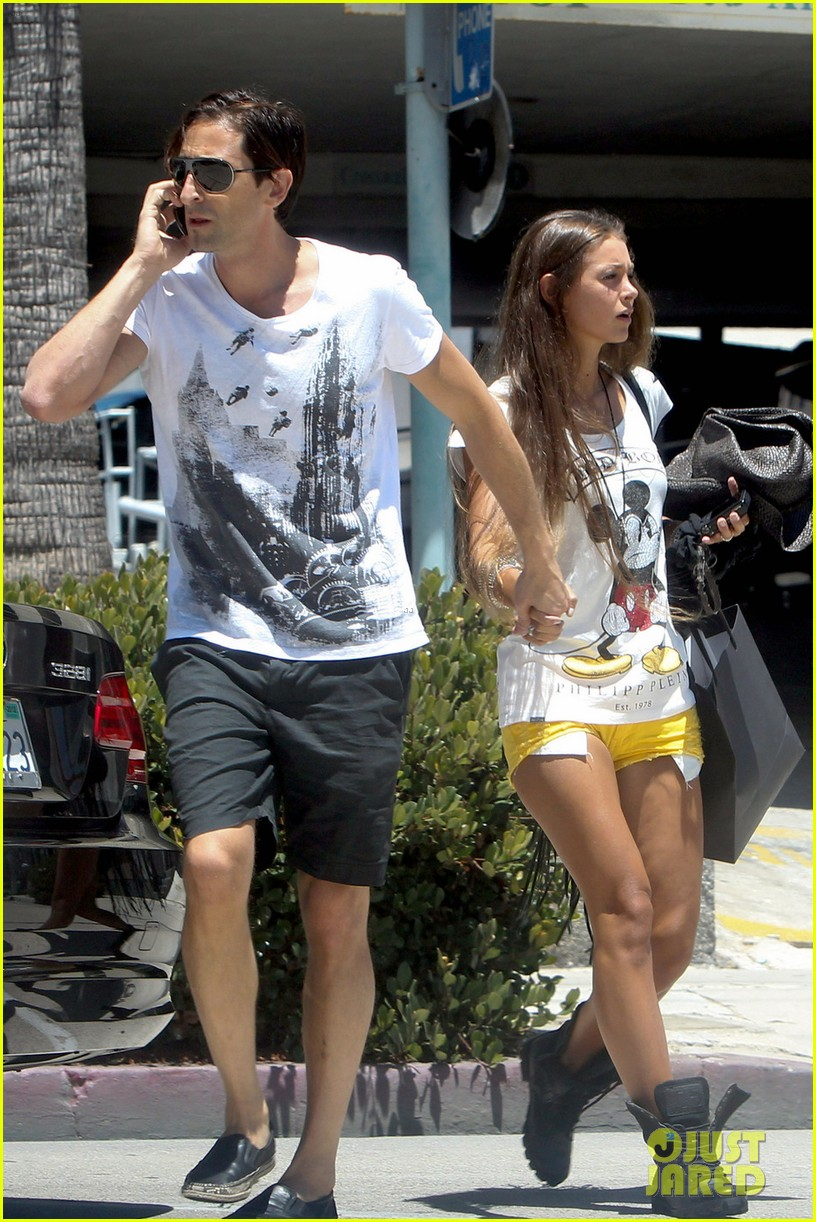 Full Sized Photo of adrien brody shopping stroll with lara ... Adrien Brody