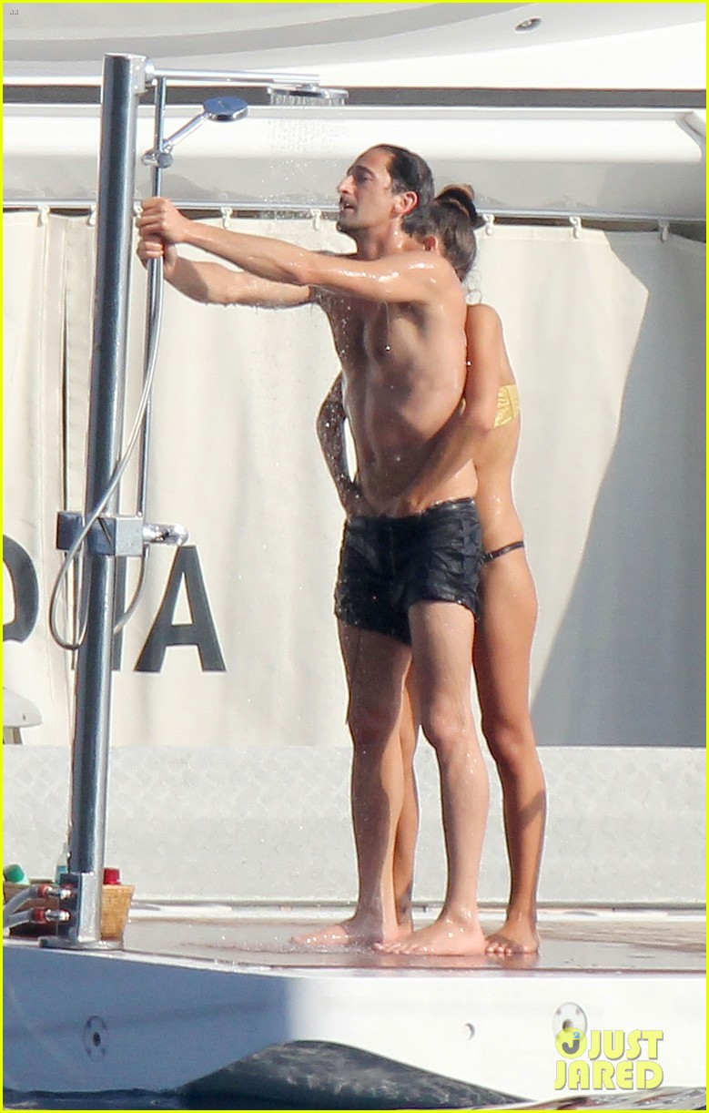 adrien brody shirtless yacht ride with girlfriend 042683668