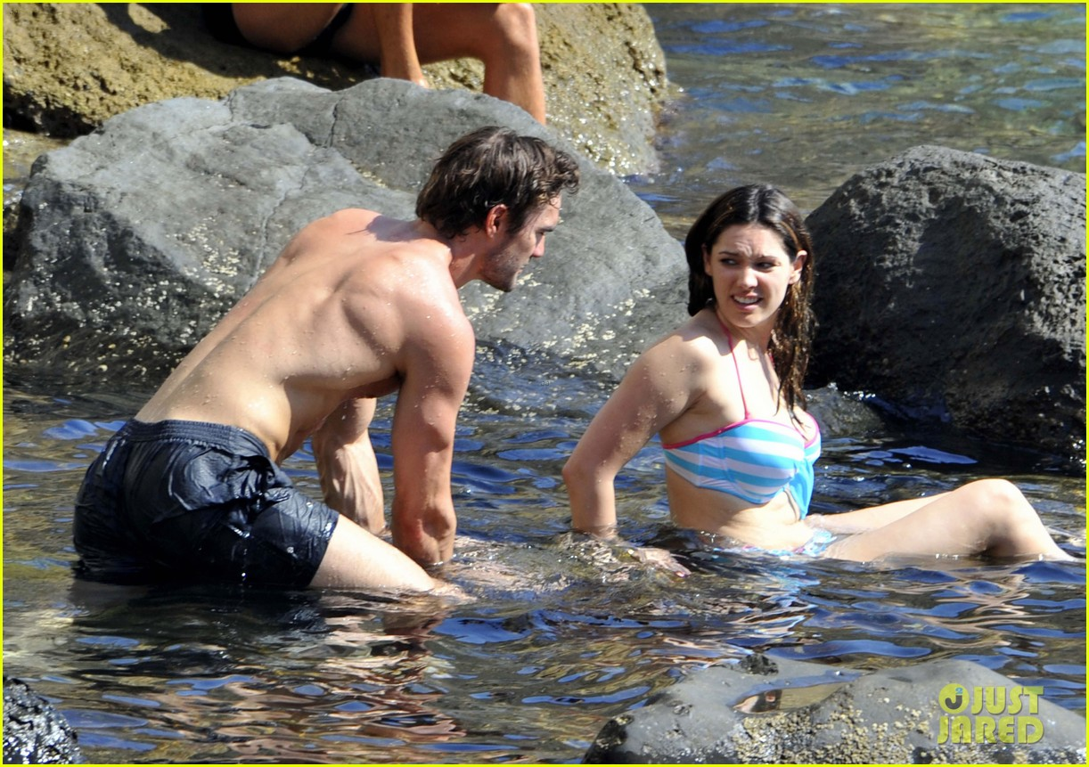 kelly brook thom evans ischia boat ride 10