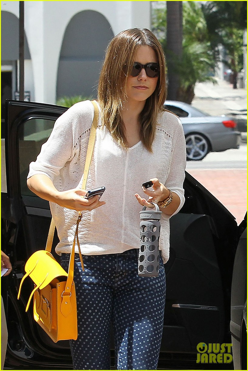 sophia bush neiman marcus shopper 04