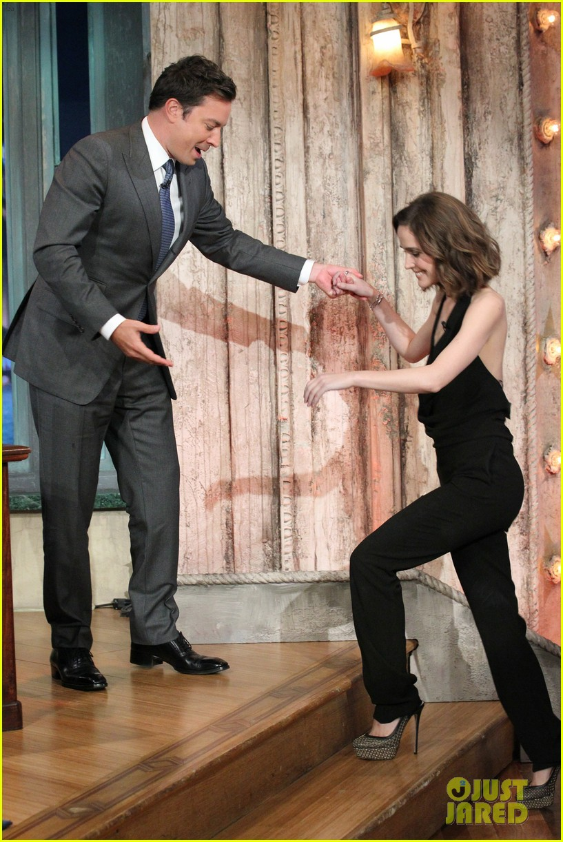 rose byrne late night with jimmy fallon visit 01