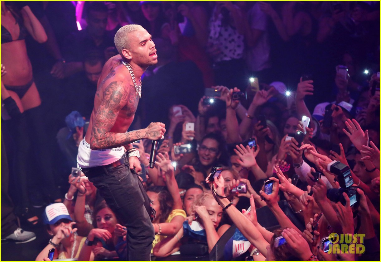 chris brown shirtless gotha club cannes 43