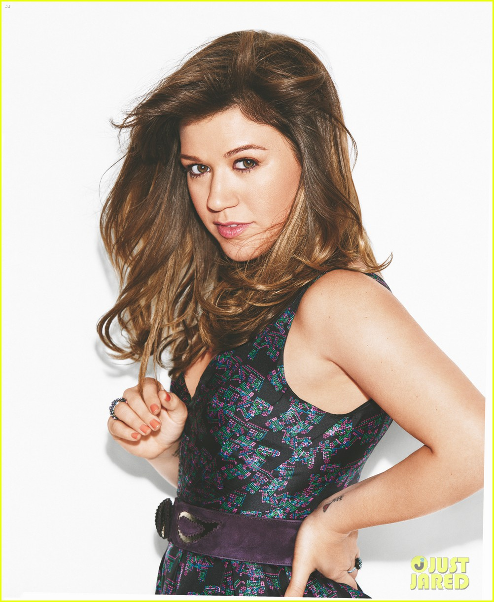 kelly clarkson covers lucky music issue 02
