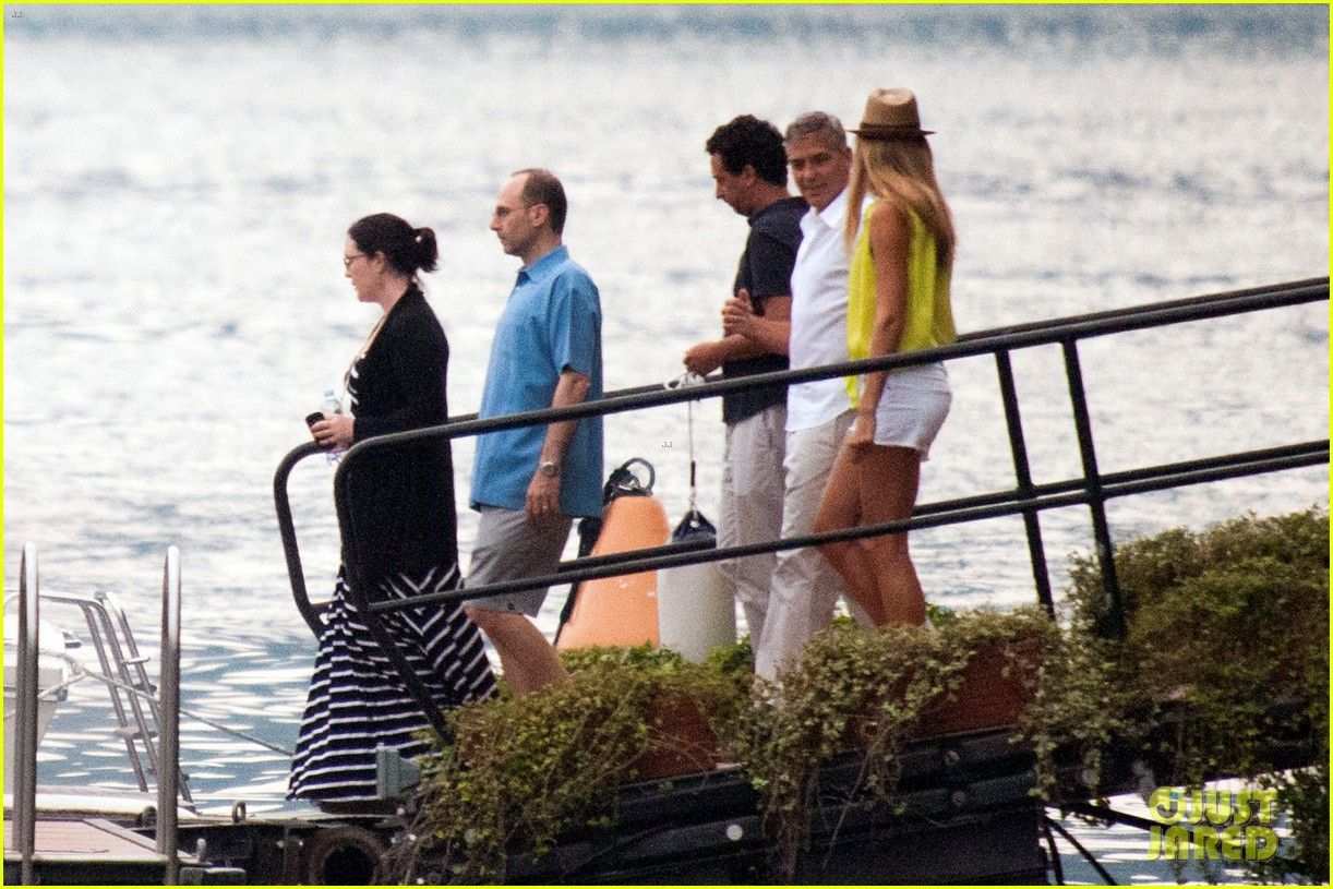 george clooney stacy keibler lake como with friends 022693563