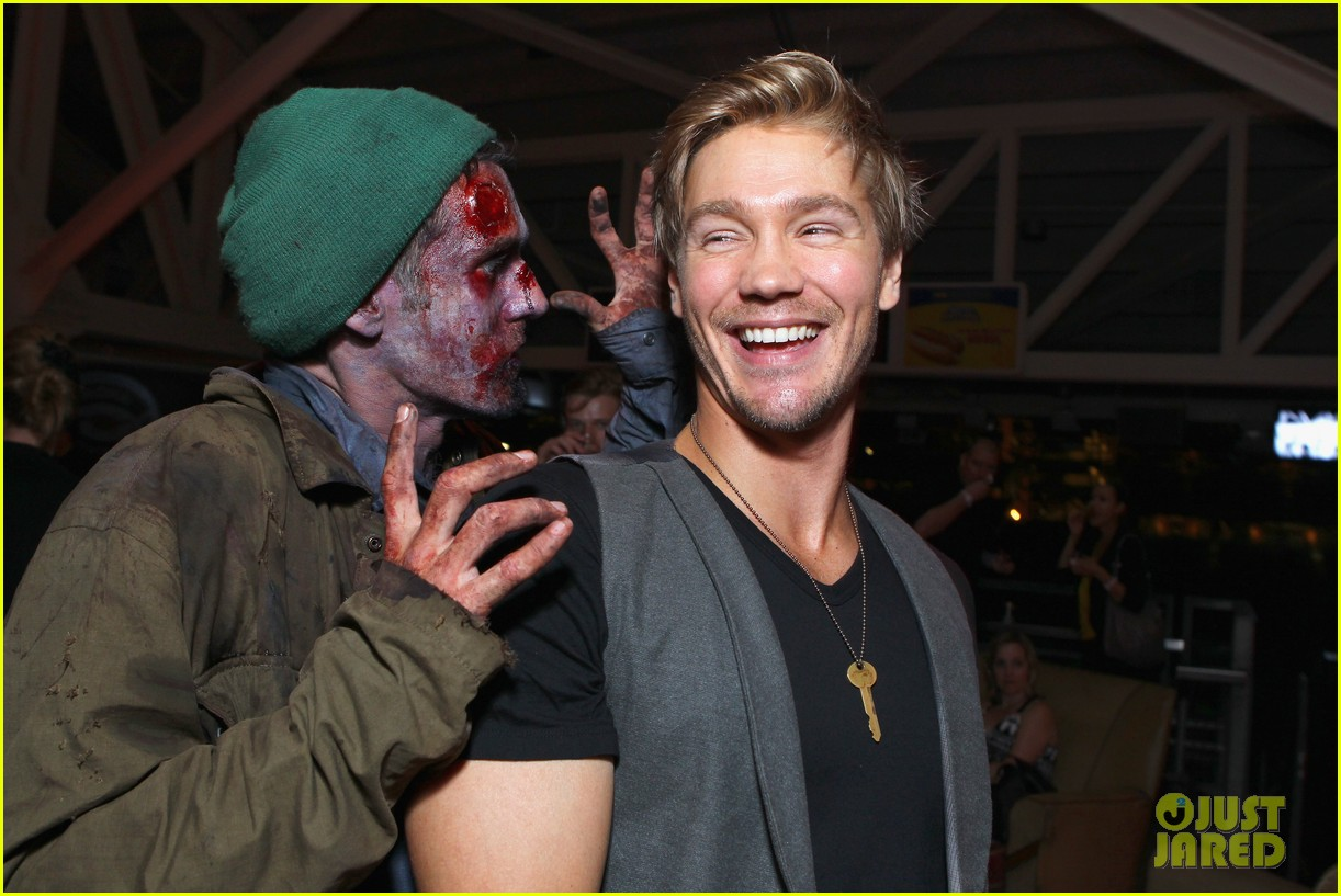 Chad Michael Murray: Comic-Con Party with Kenzie Dalton Chad-michael-murray-comic-con-party-with-kenzie-dalton-18