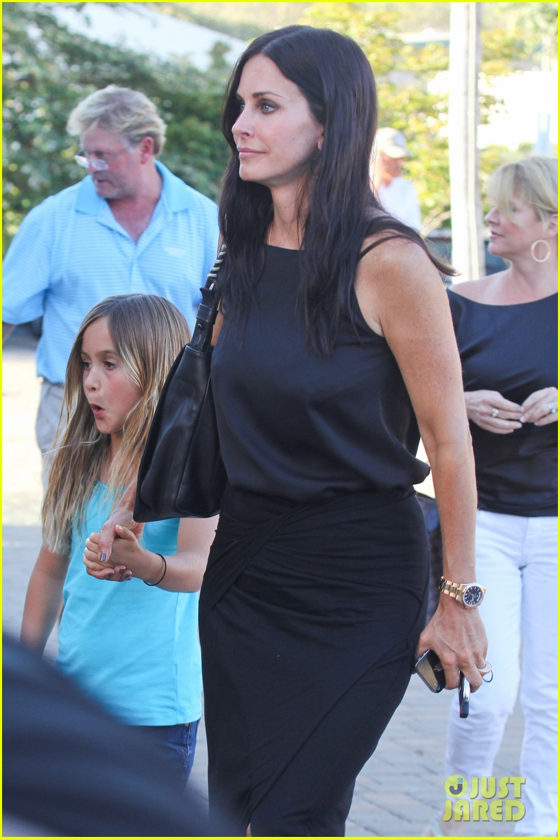 courteney cox coco habana cafe 05