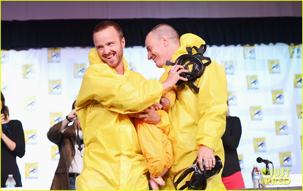 aaron paul bryan cranston breaking bad at comic con 26