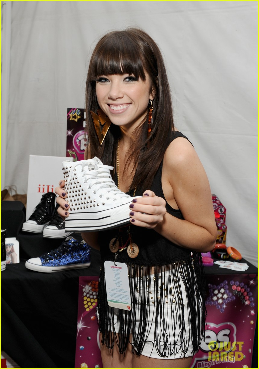 carly rae jepsen katsuya dinner after teen choice win 07