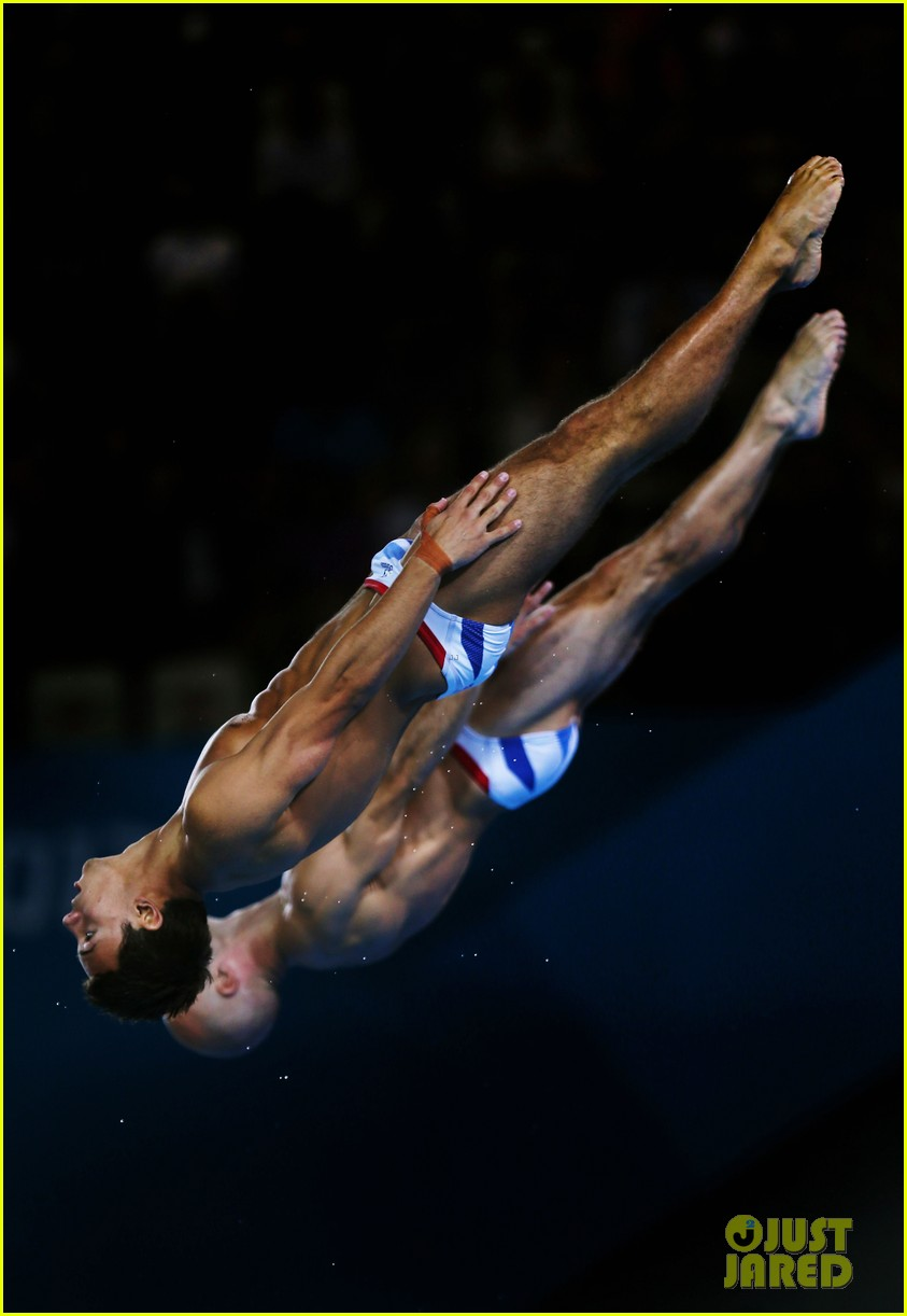 british diver tom daley misses out on olympic medal 10