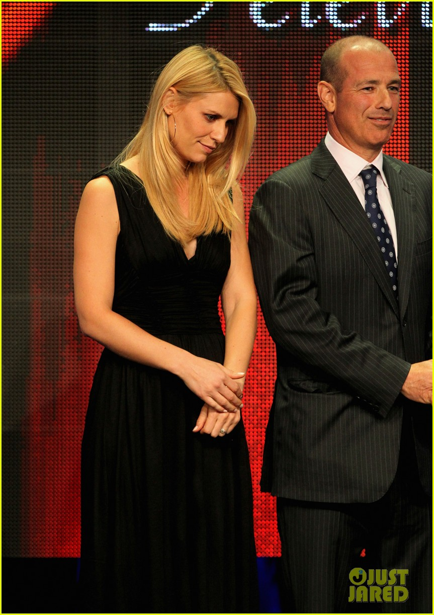 claire danes wins tcas outstanding achievement in drama 042693640