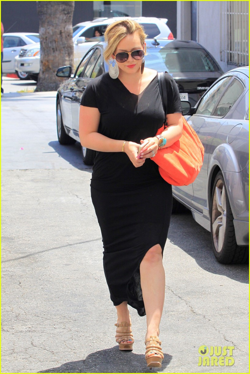 hilary duff curve shopper 17
