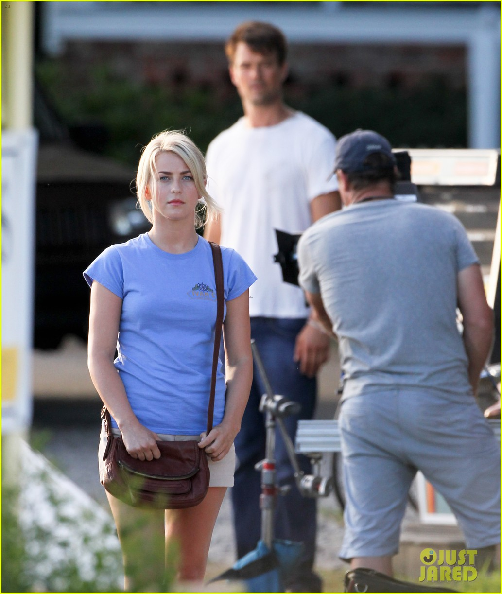josh duhamel julianne hough safe haven set 052688761
