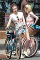 dakota fanning elizabeth olsen big apple bicycles 05