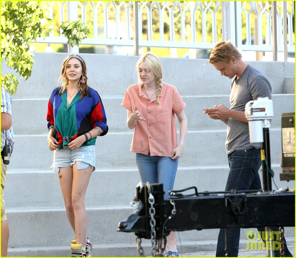 dakota fanning elizabeth olsen very good girls 08