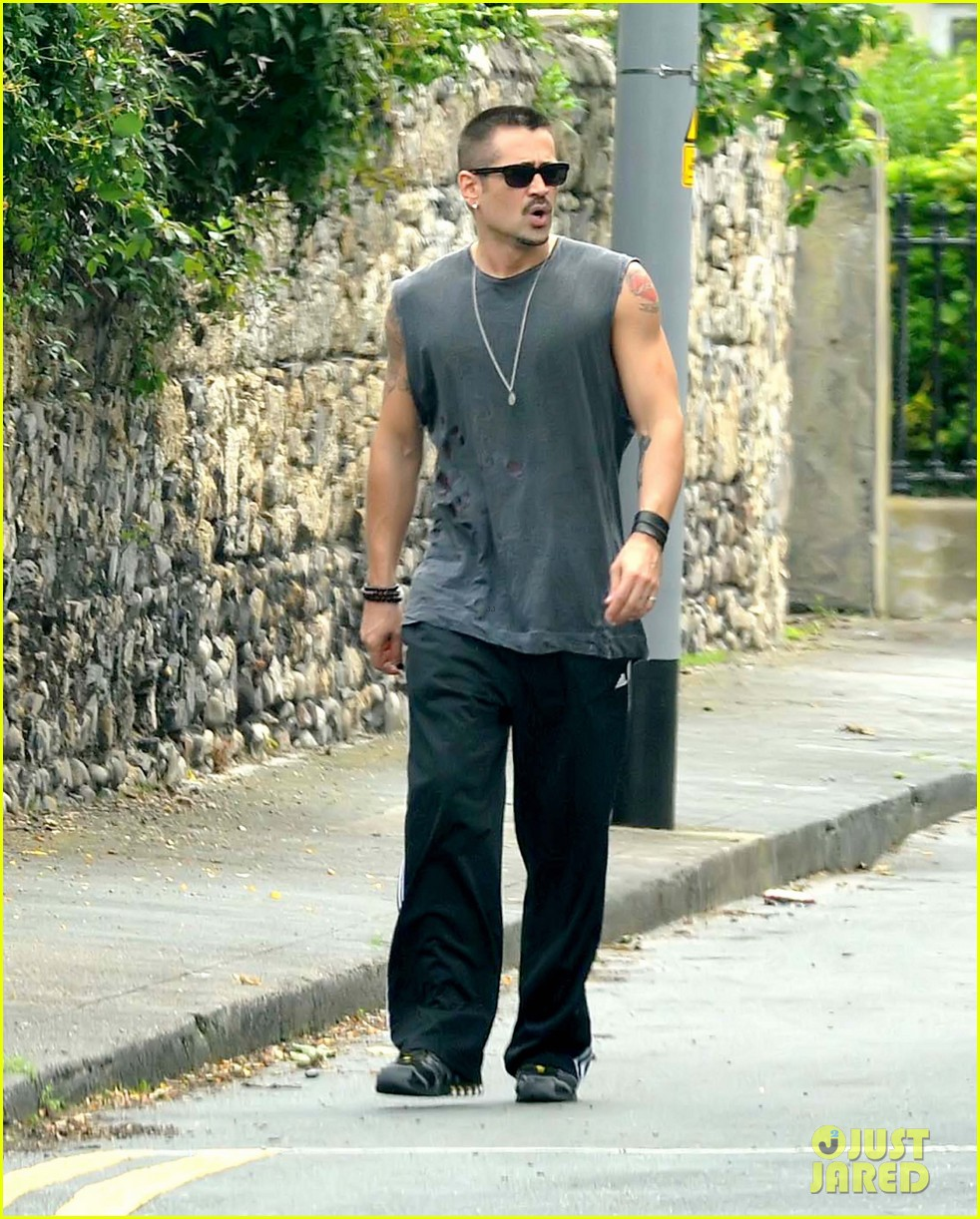 colin farrell morning stroll with sis claudine 09