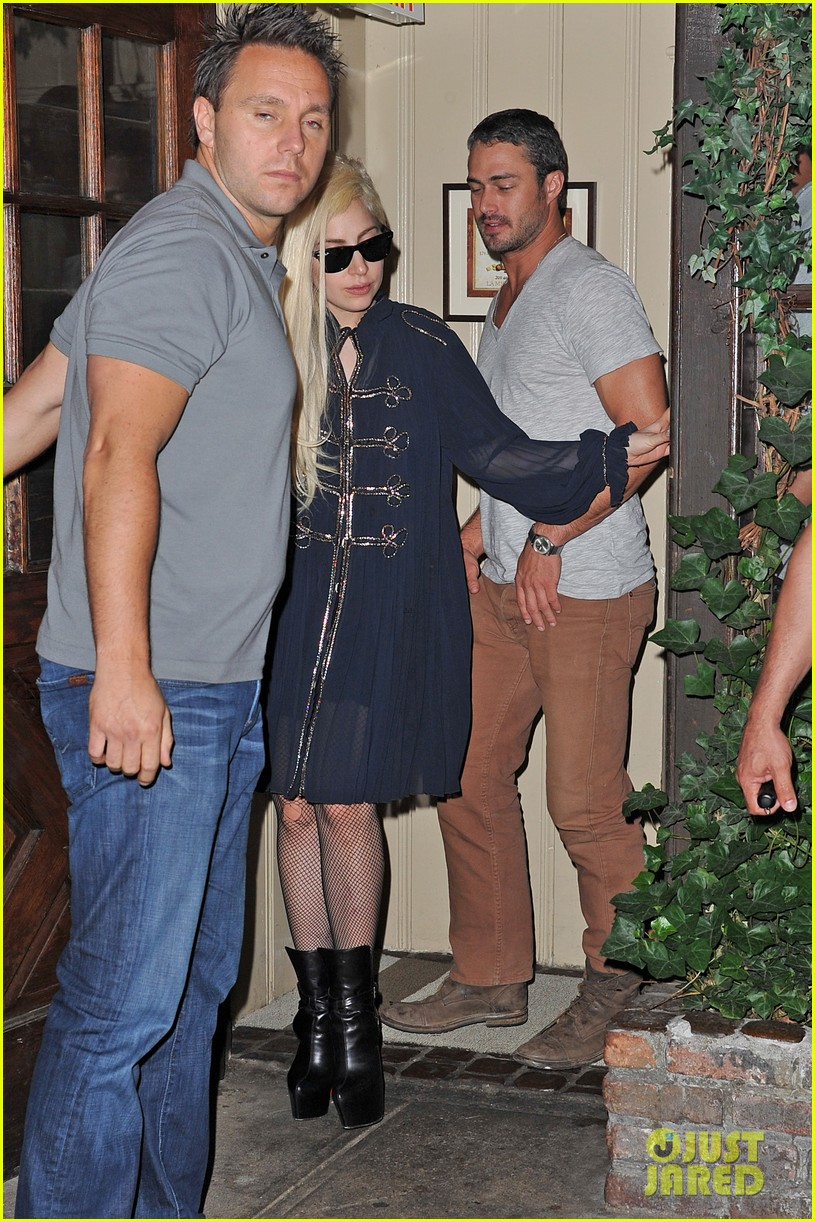 lady gaga taylor kinney dinner at joanne 04