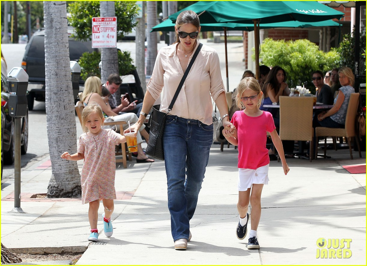jennifer garner girls day out 242682810