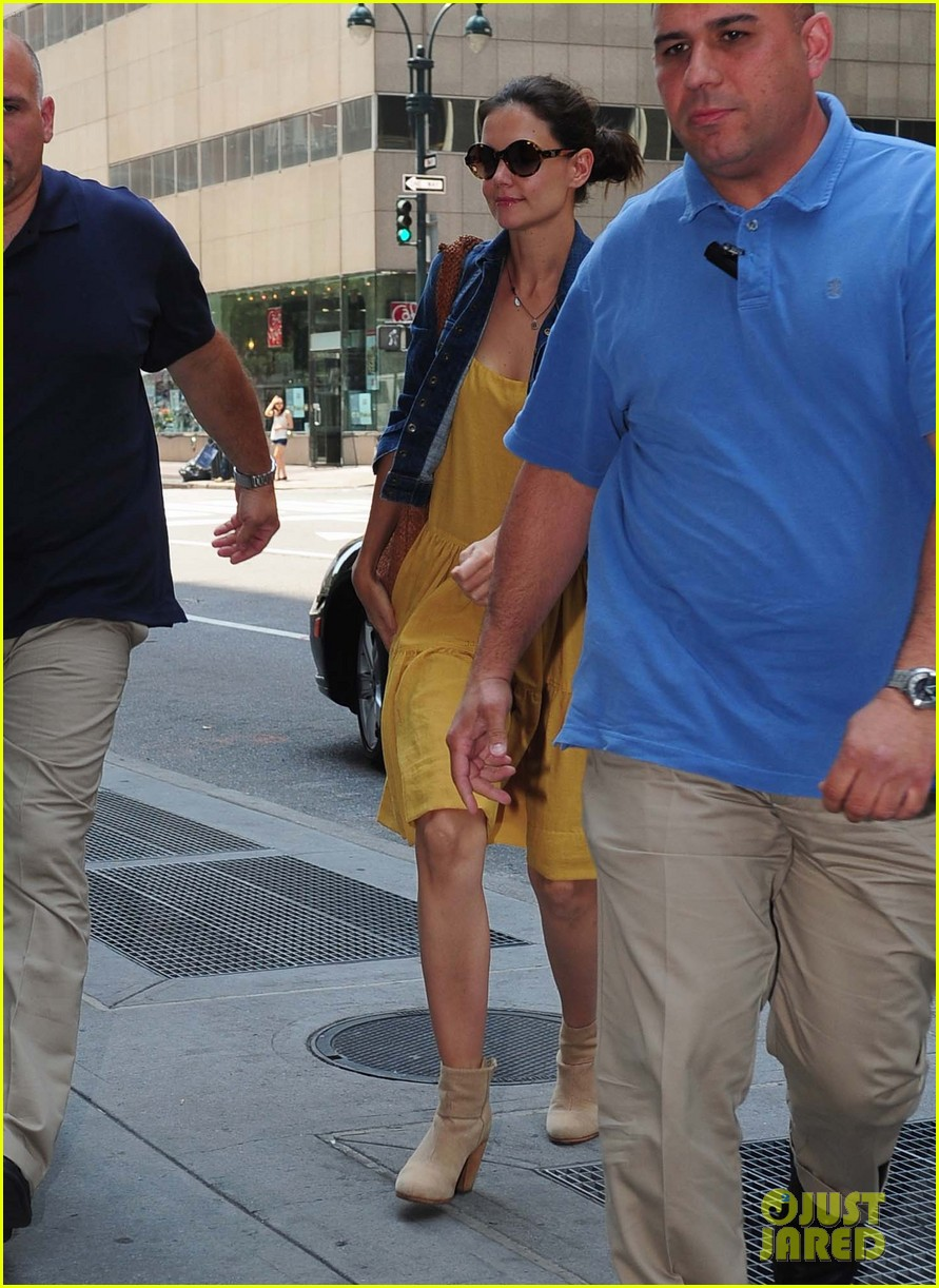 katie holmes yellow dress 01