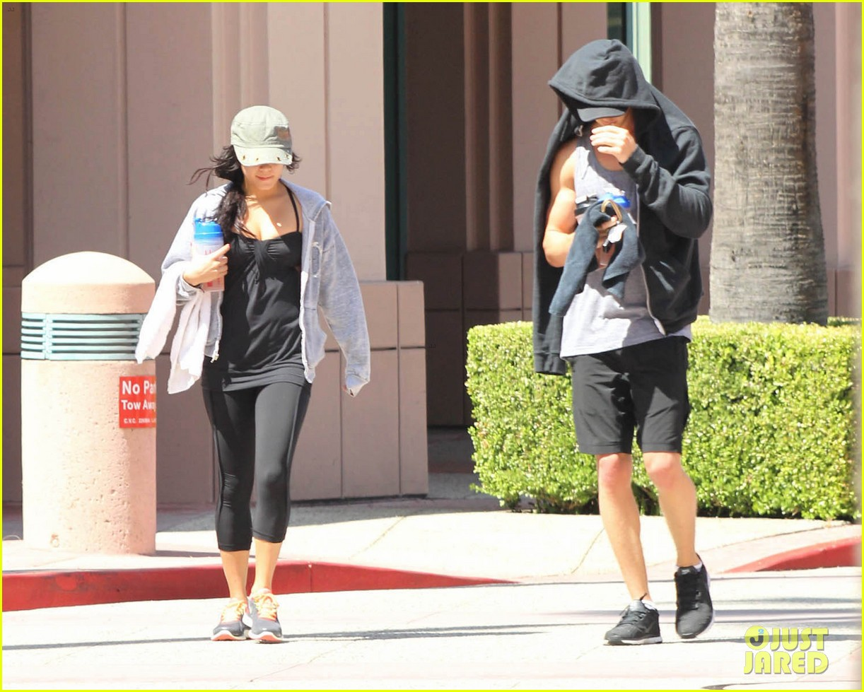 vanessa hudgens austin butler workout couple 142692398