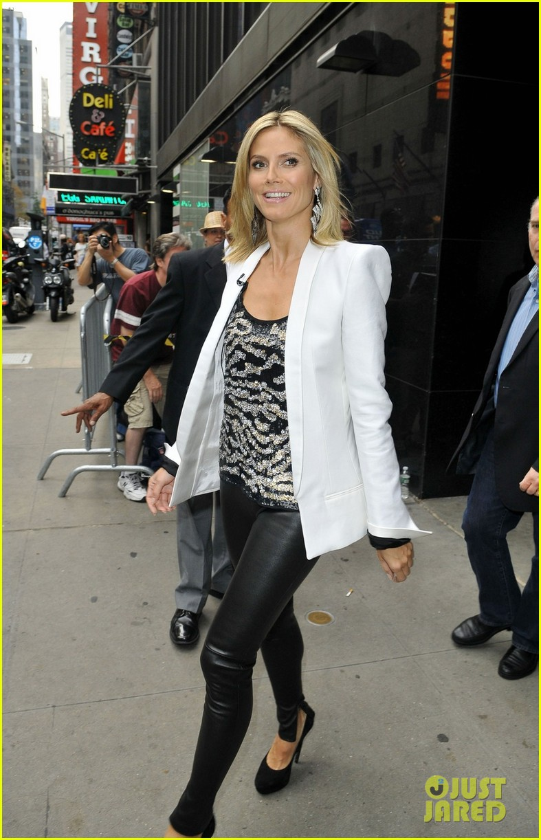 heidi klum project runway premieres tonight 06