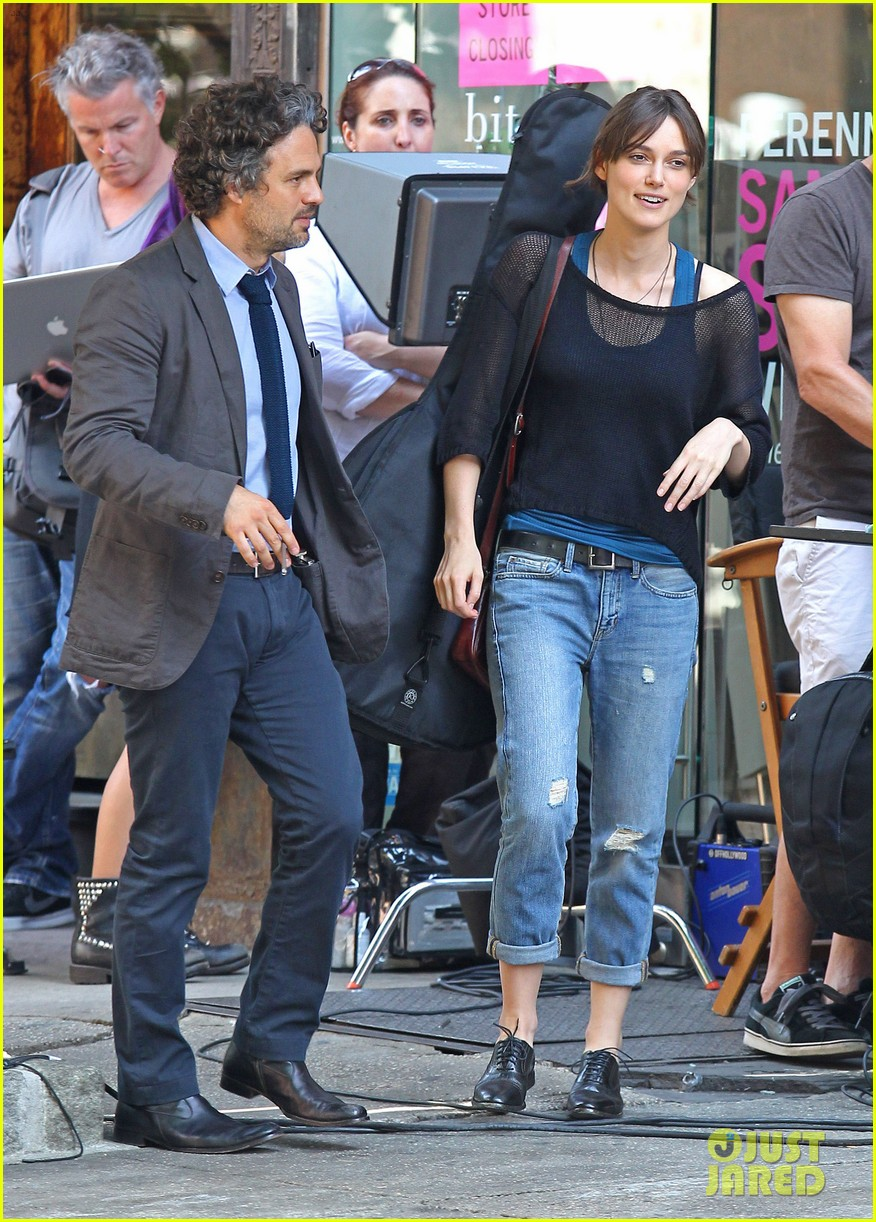 keira knightley mark ruffalo song save your life set 03