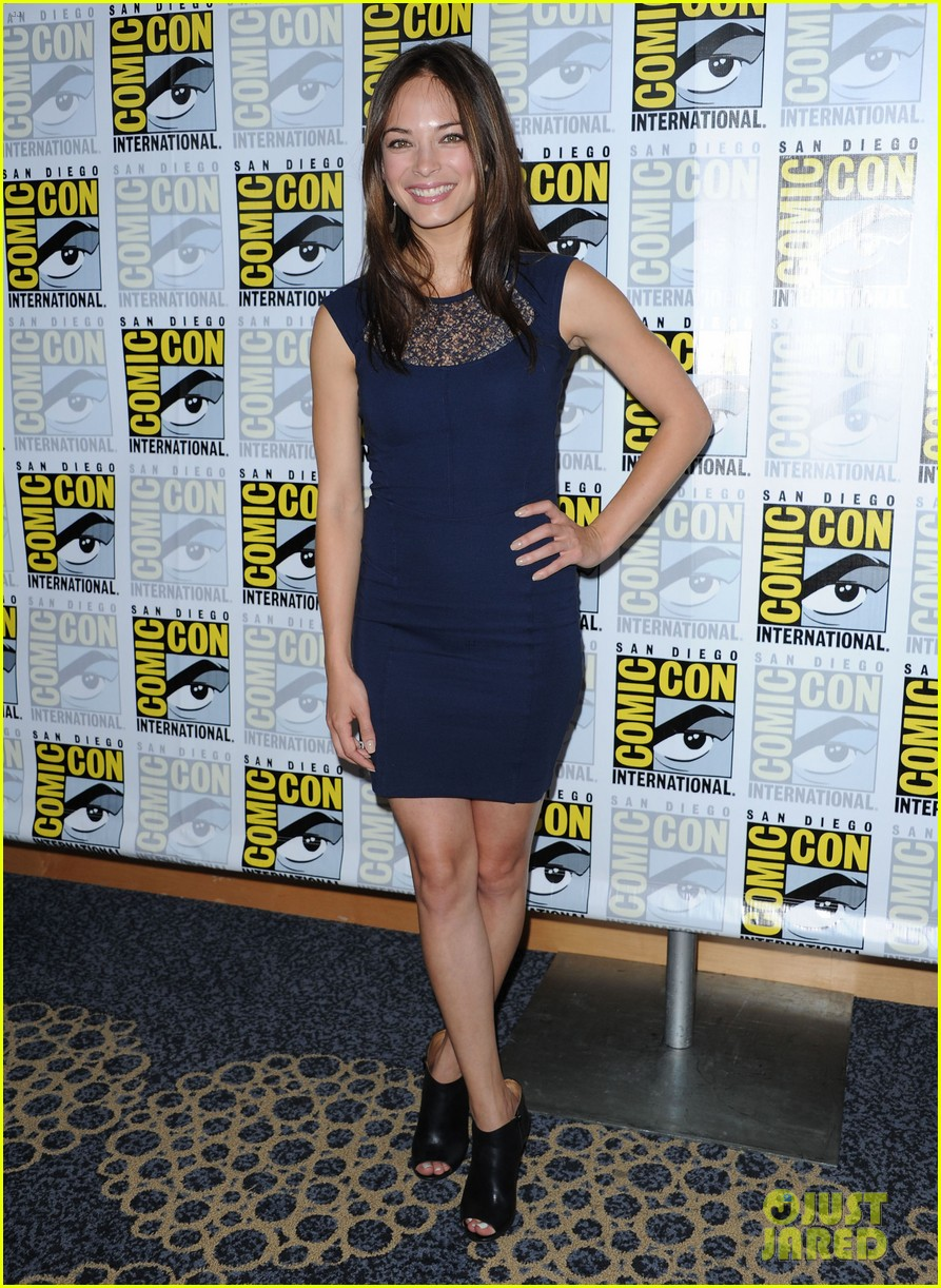 kristin kreuk jay ryan beauty and the beast at comic con 052686701