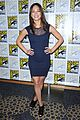 kristin kreuk jay ryan beauty and the beast at comic con 01