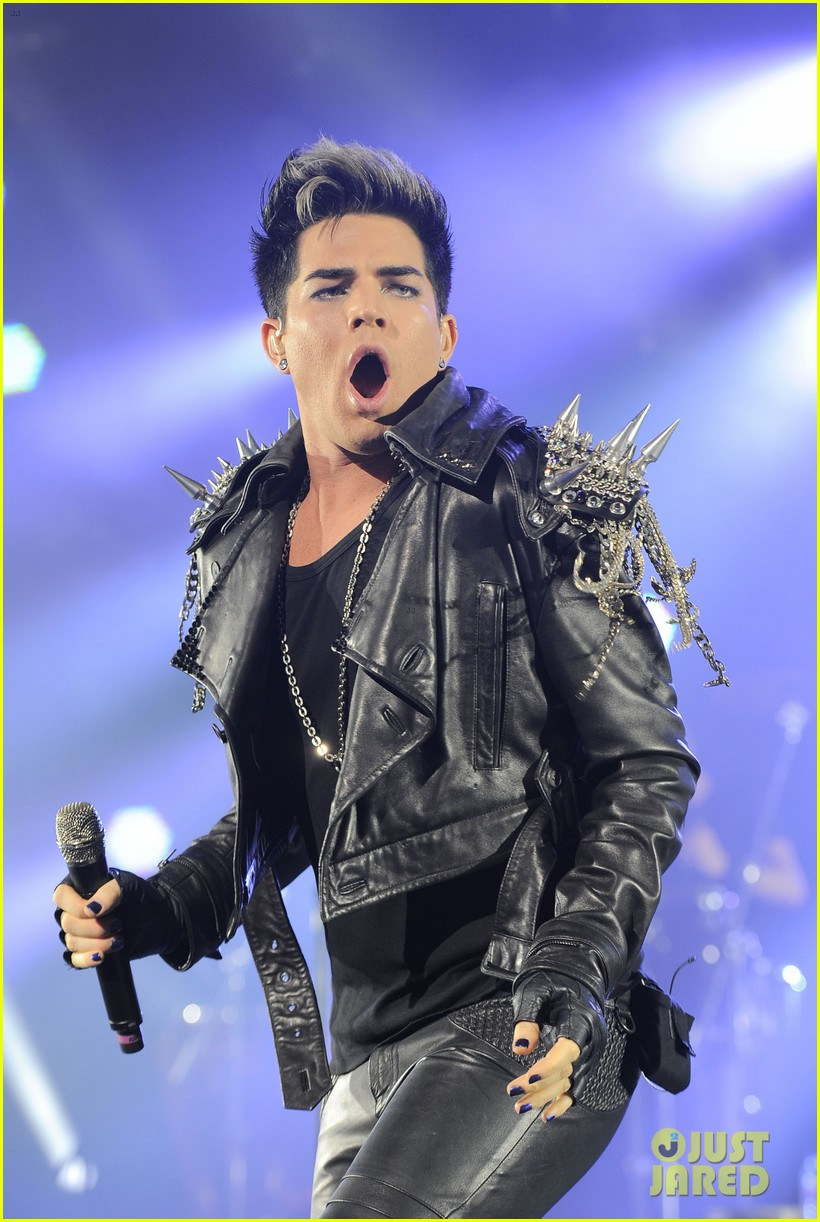 adam lambert hammersmith apollo with queen 02