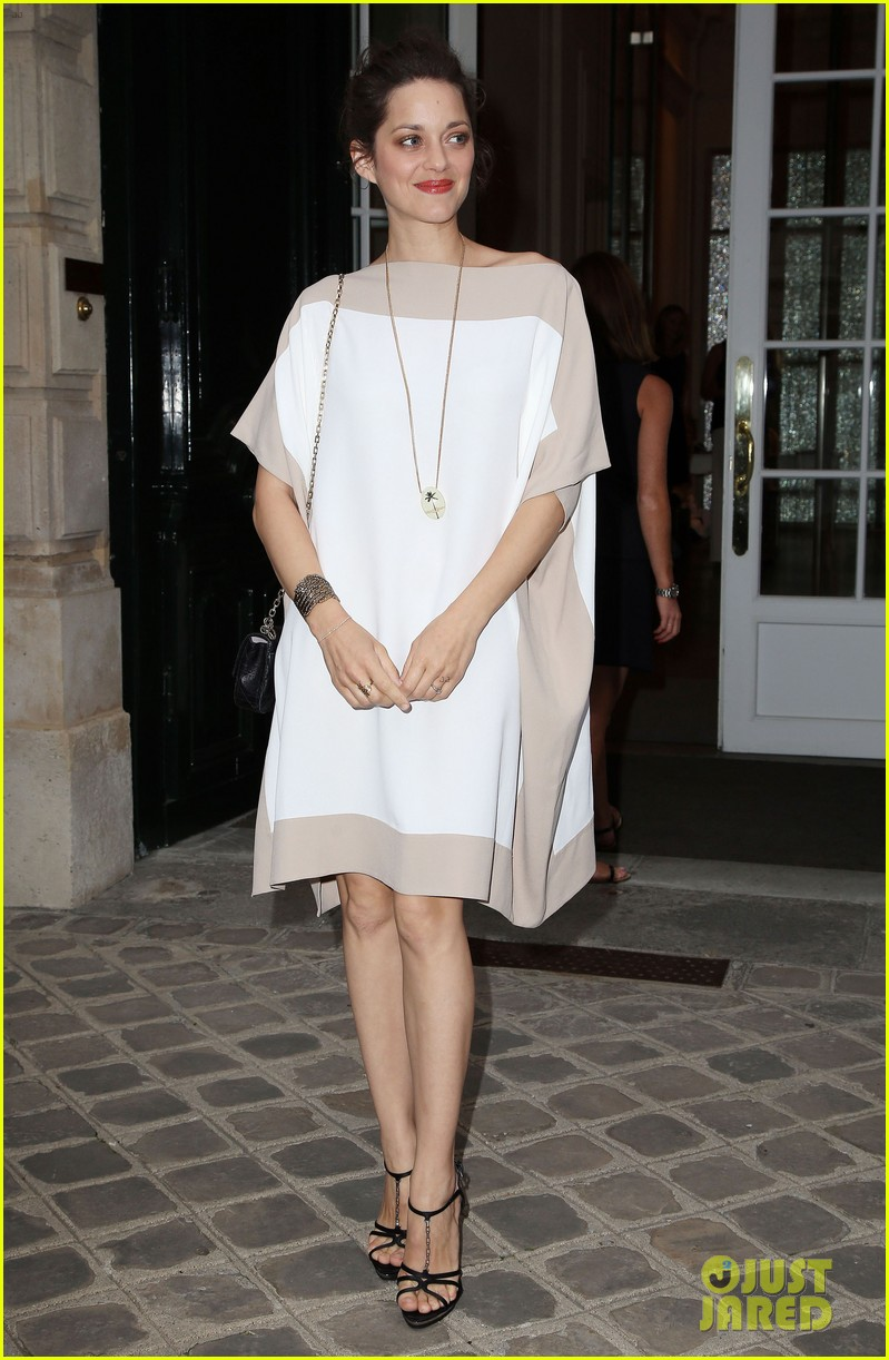 jennifer lawrence marion cotillard dior party 05