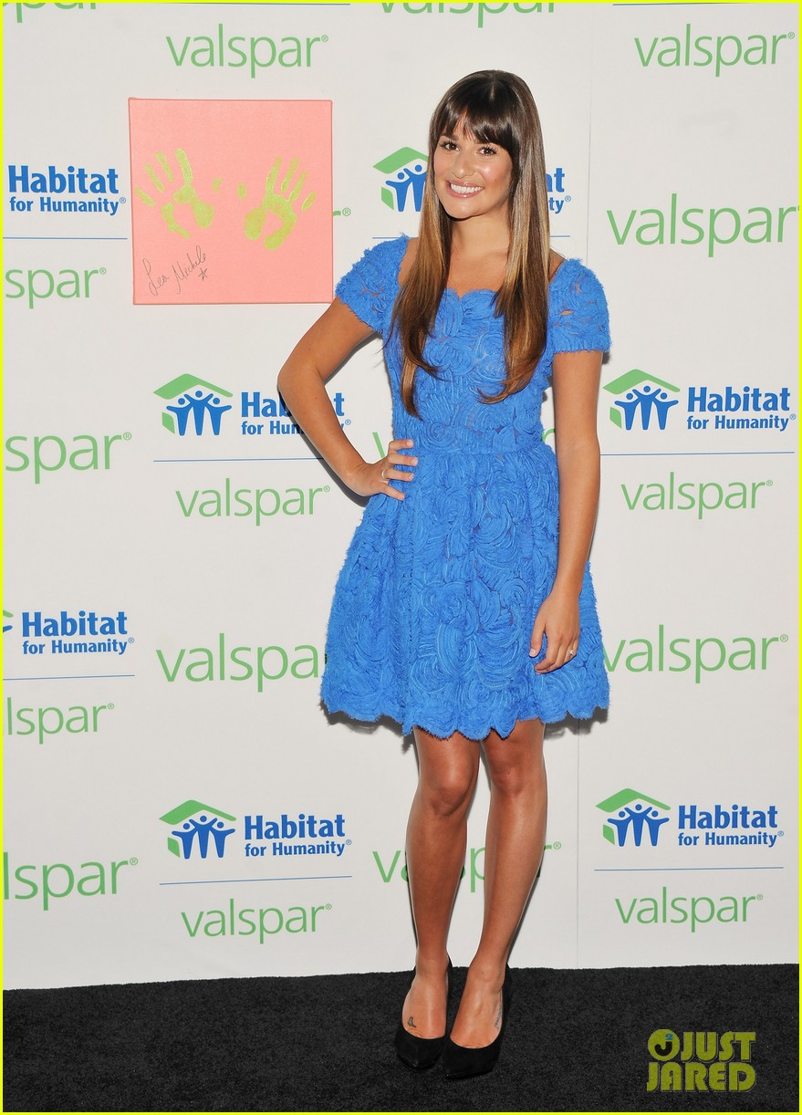lea michele hands for habitat unveiling 03