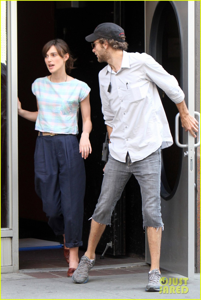 keira knightley adam levine song set 05