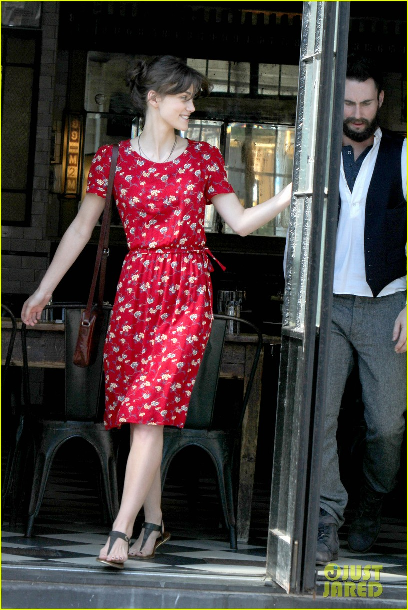 adam levine keira knightley song set 04