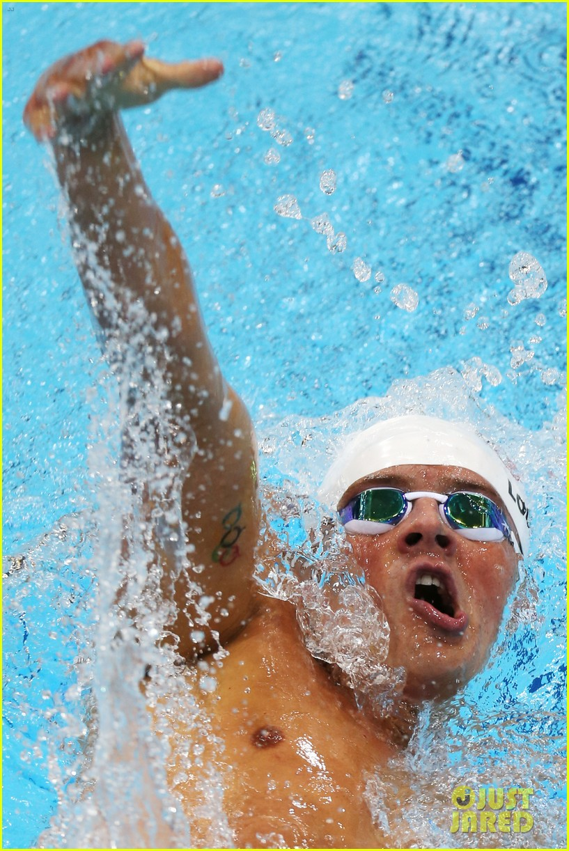 ryan lochte american flag grill at london olympics 02