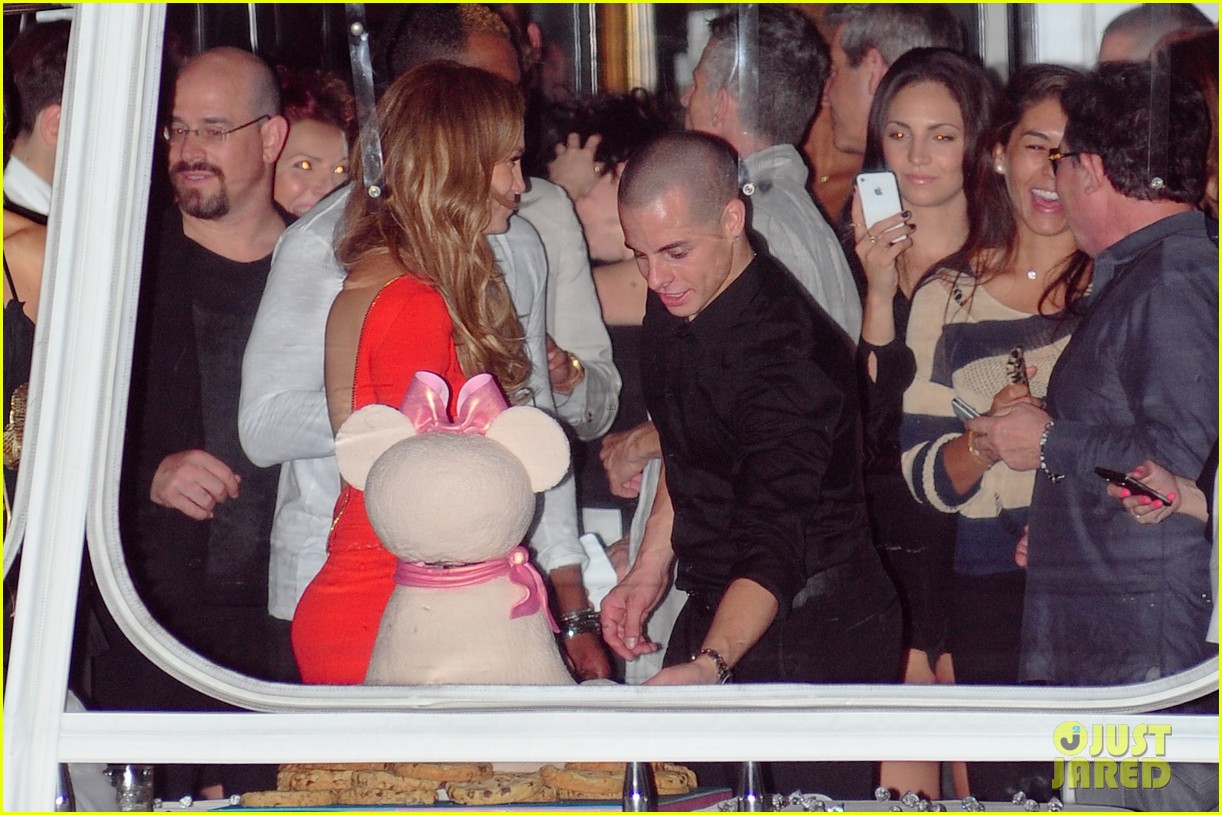 jennifer lopez birthday celebration with casper smart 02