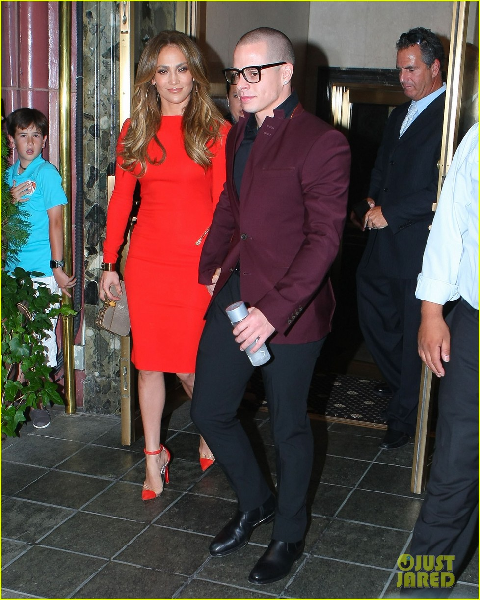 jennifer lopez birthday celebration with casper smart 12