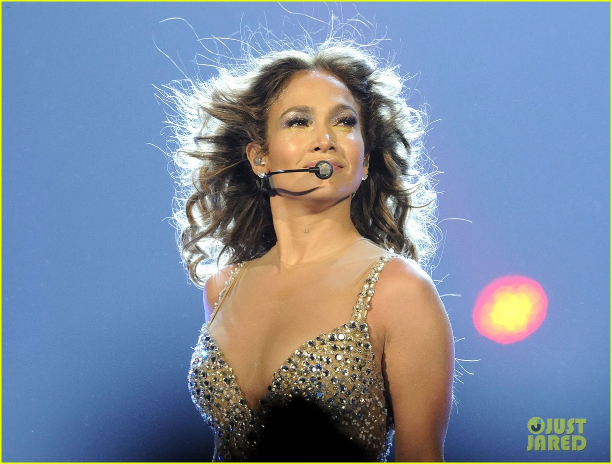 jennifer lopez talks idol exit at first us tour stop 04